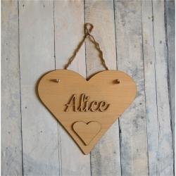 Pancarte prénom bois motif coeur