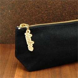 Trousse en coton noir et zip prénom