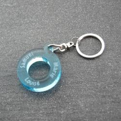 Porte clés anneau multi prénoms bleu