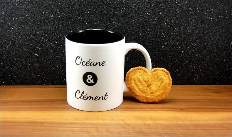 Personnalisez un mug en céramique, faites graver les deux prénoms de votre choix.